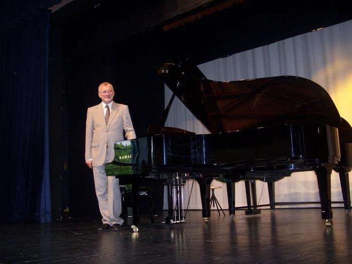 Klaveri esmaesitluskontsert