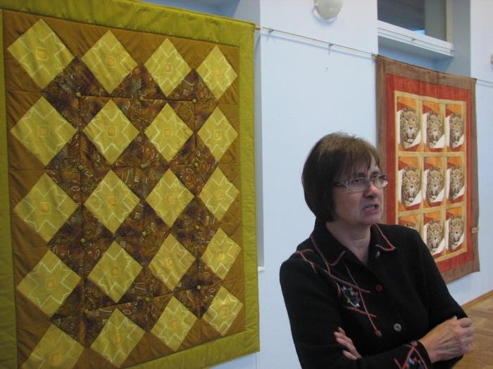 Mall Vesilo lapitehnikas tekstiilide näituse avamine