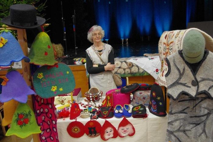 Käsitöömeistrite jõululaat, kuuskede kaunistamise konkurss